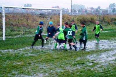 b2ap3_thumbnail_soccer-kids-bad-weather.jpg